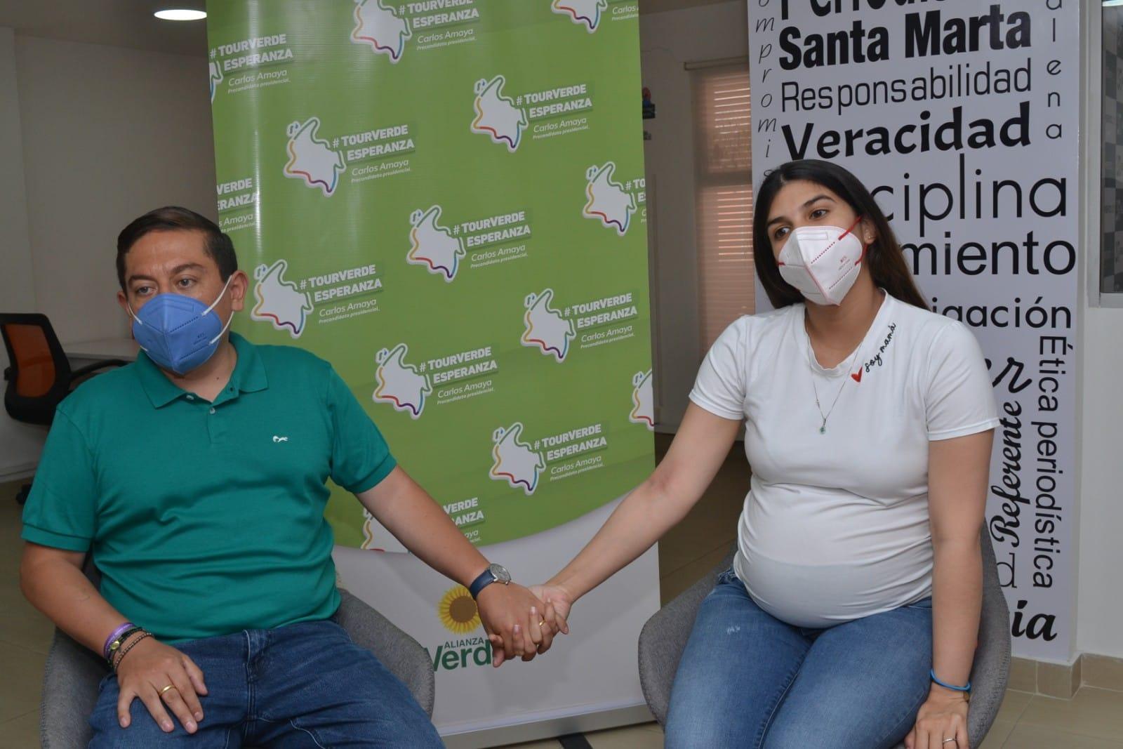Carlos Amaya y su esposa en Seguimiento.co
