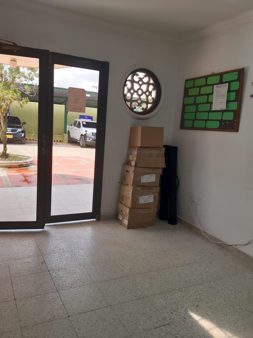 Las cajas permanecen arrumadas sin que un auditor las revise, mientras se pierde la oportunidad de recuperar recursos.
