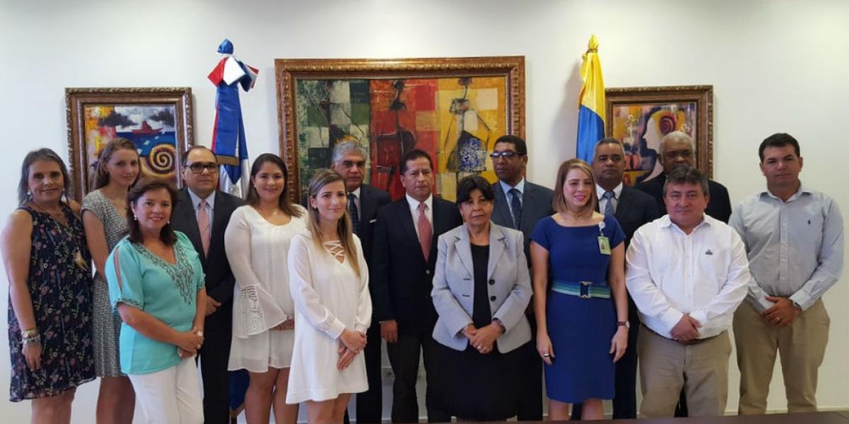 Omar García, presidente ejecutivo de Cotelco Magdalena, entre los asistentes representado al departamento.