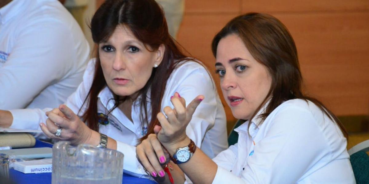 Alcaldesa encargada, Jimena Abril y la gobernadora del Magdalena, Rosa Cotes.
