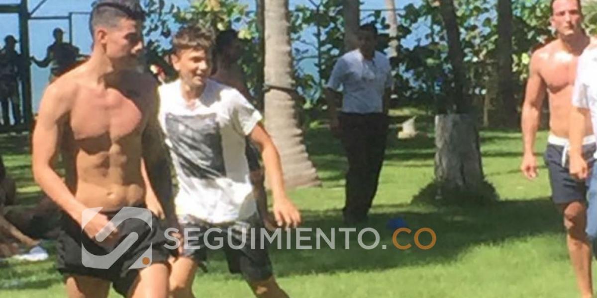 James Rodríguez, jugando fútbol en La Samaria.