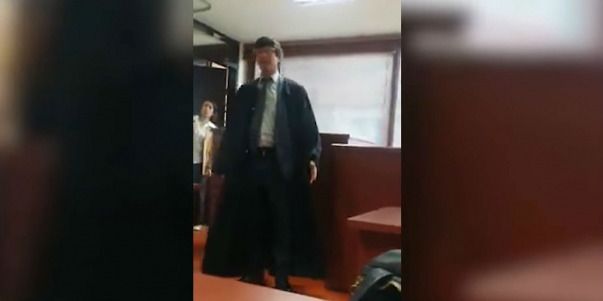 El juez se alteró ante la posición de la defensa de apelar.
