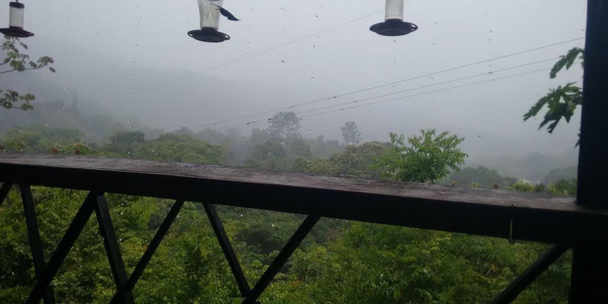 Vista de la lluvia desde Minca, en la Sierra Nevada de Santa Marta.