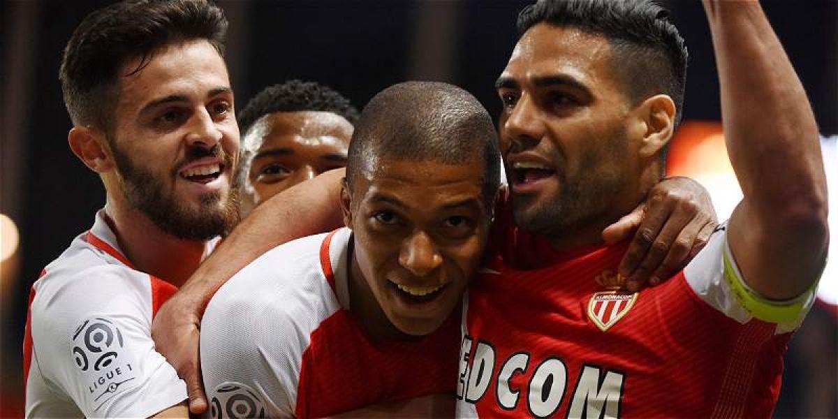 Con 92 puntos, el equipo del Principado se consagra a falta de una fecha en la Liga de Francia.