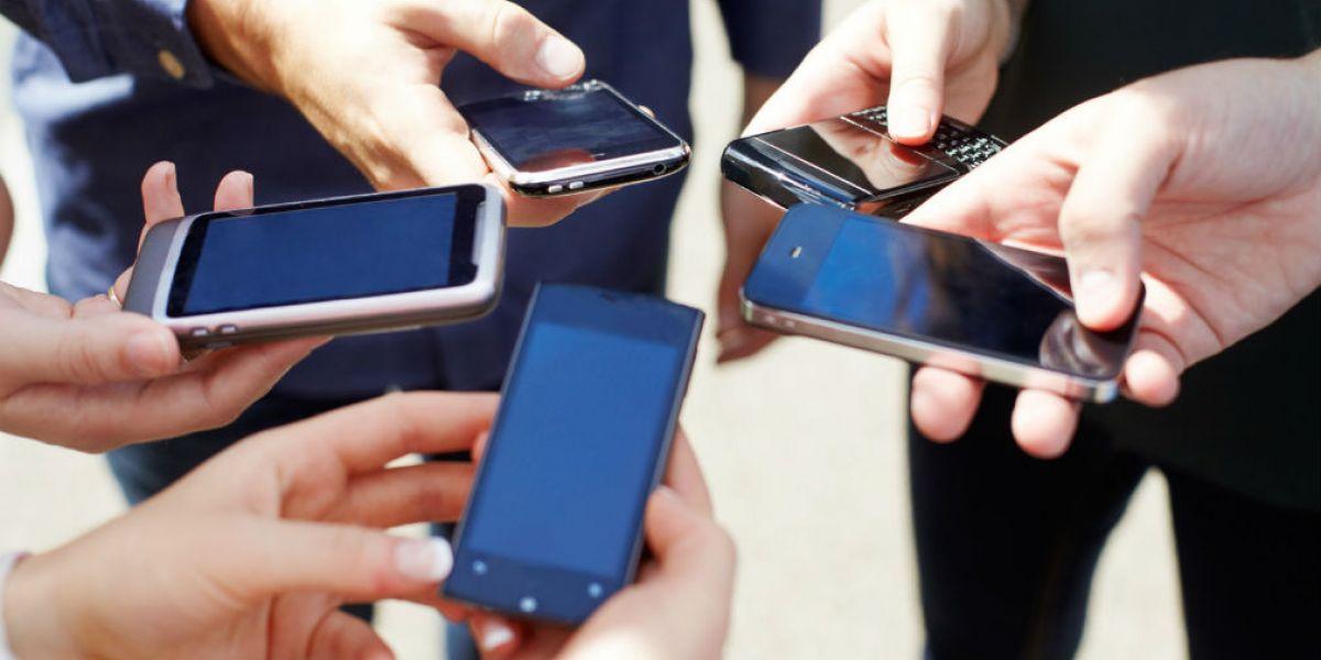 Con el tiempo crece cada vez más el acceso a los celulares en Colombia.