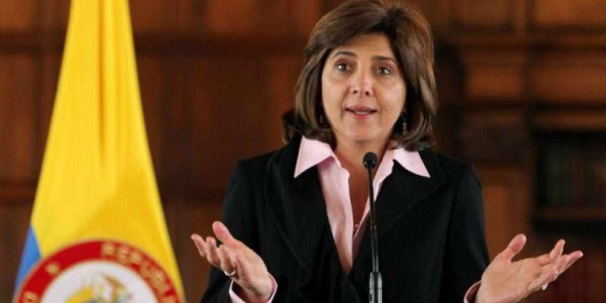 La Canciller María Ángela Holguín.
