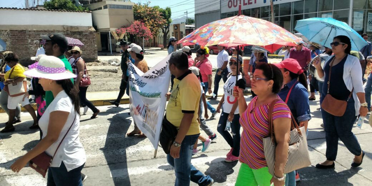 En Santa Marta la jornada de paro se cumple con muestra culturales por partes de los docentes.
