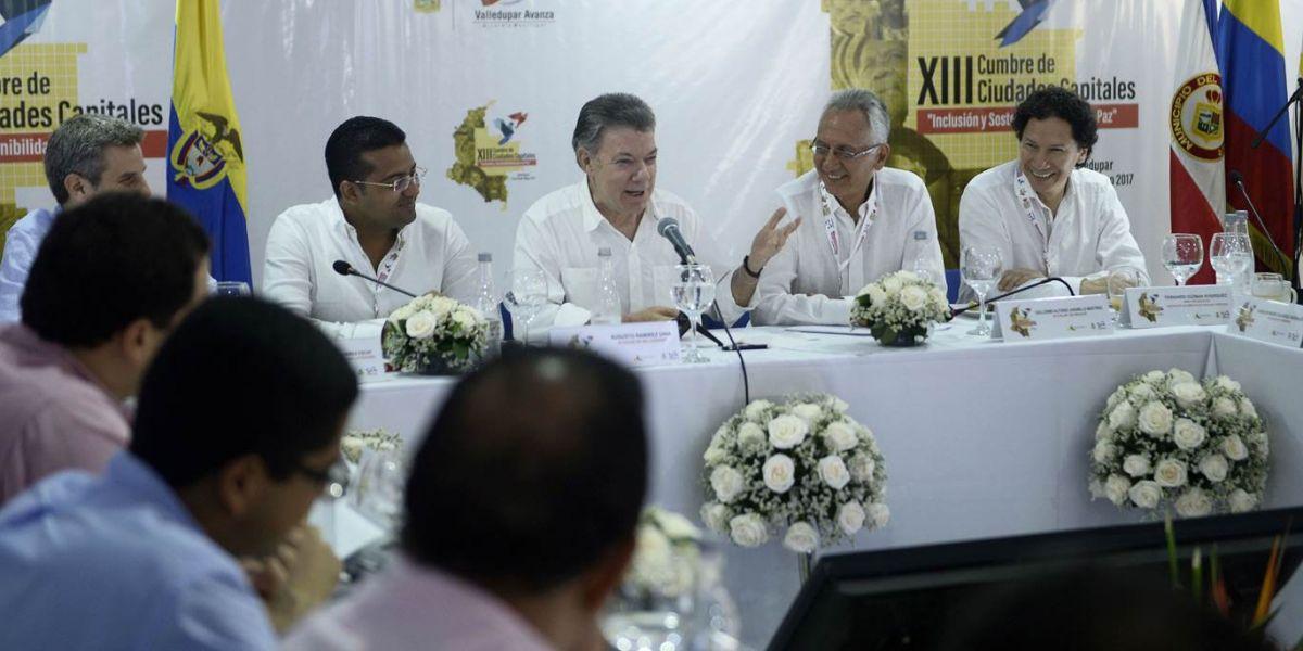 La petición la hizo el mandatario Nacional en la clausura de la XIII Cumbre de Alcaldes de Ciudades Capitales en Valledupar.