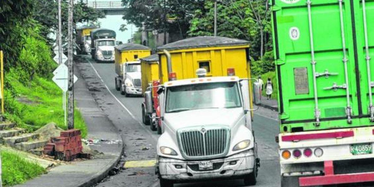 De esta forma, con vehículos fletados especialmente, avanzó el plan de contingencia para mover carga represada en Buenaventura