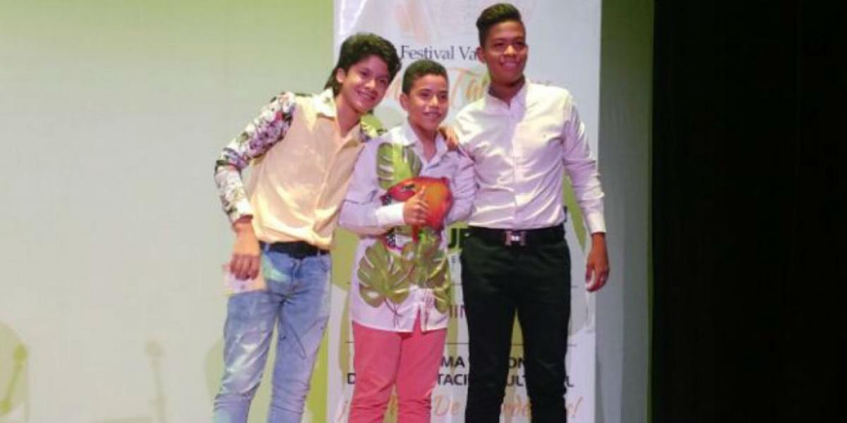 Acordeoneros ganadores de la categoría pre-juvenil.