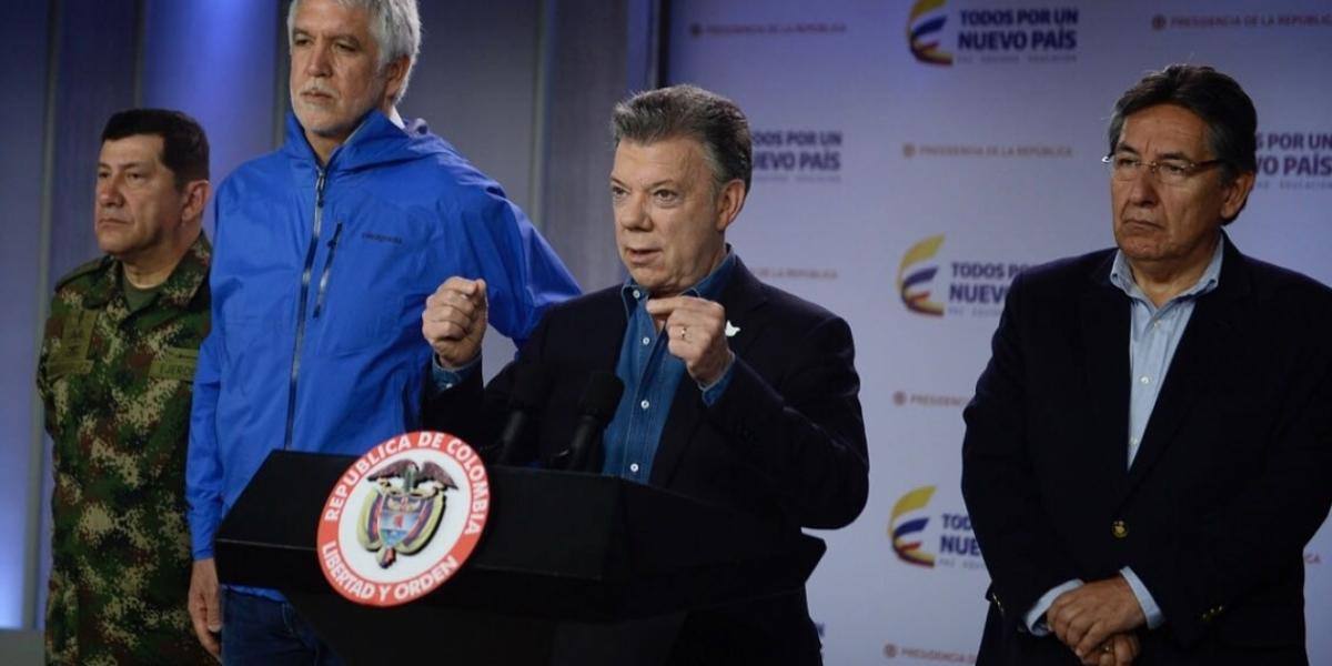 El Presidente Santos entregó declaraciones después del consejo extraordinario de seguridad por el atentado al Centro Comercial Andino.