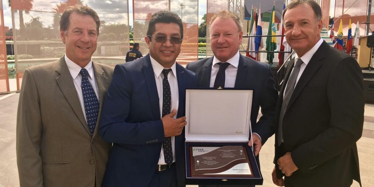 Darren Thompson, gerente general de Puerto Nuevo; Jairo Andrade, gerente de operación Ferrocarril; Mark McManus, presidente del Grupo Prodeco y Ferdie Smith, vicepresidente de Operaciones del Grupo Prodeco.
