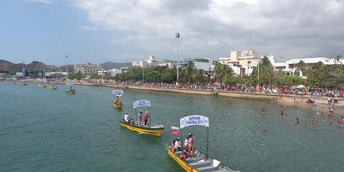 La Bahía de Santa Marta es el lugar tradicional en el cada año se reúnen a los samarios para disfrutar de los eventos de la Fiesta del Mar.