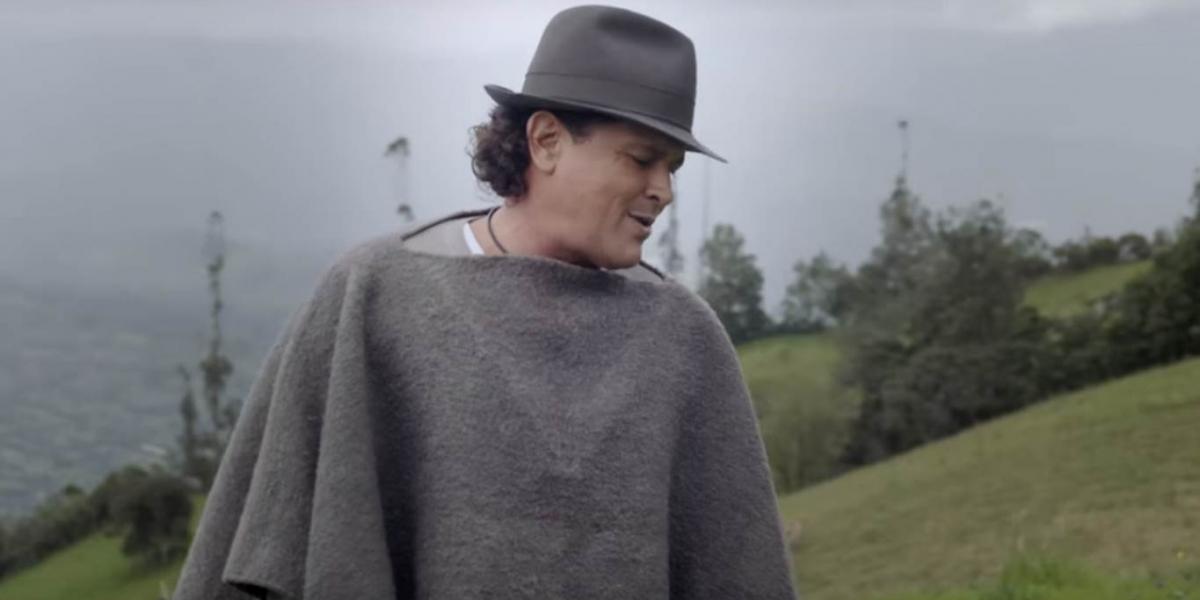 En el video el samario luce una la ruana y el sombrero típico de del departamento de Boyacá.