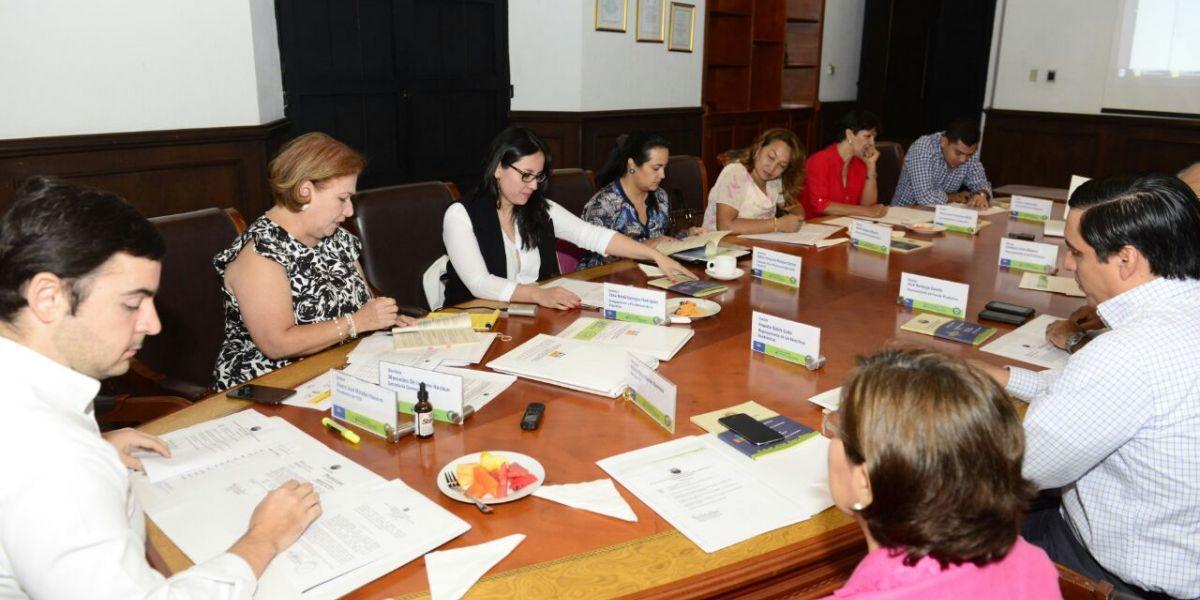 En sesión extraordinaria, el Consejo Superior ratificó a Pablo Vera como rector.