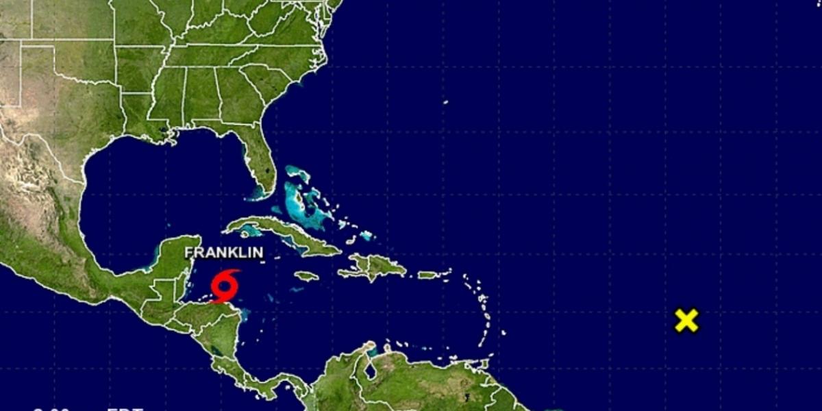Los expertos del NHC prevén que Franklin se fortalezca a su paso por aguas del Caribe.