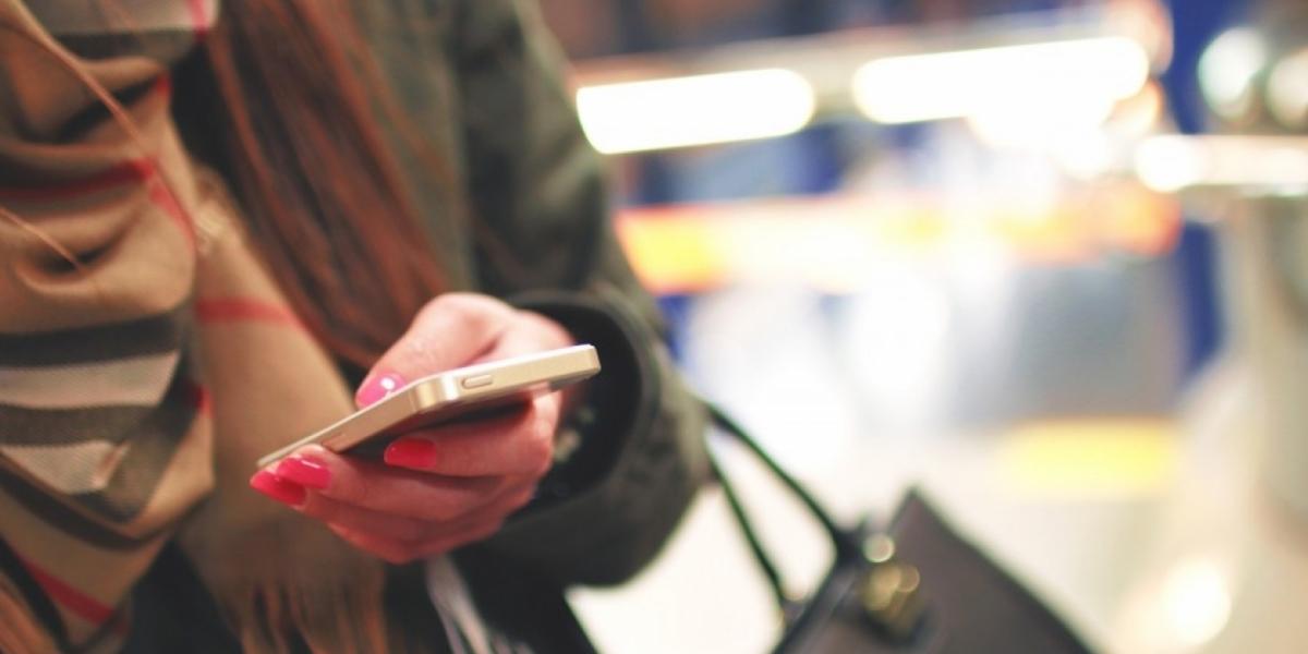 Por redes sociales usuarios reciben mensajes diciendo que la multa es de medio salario mínimo.