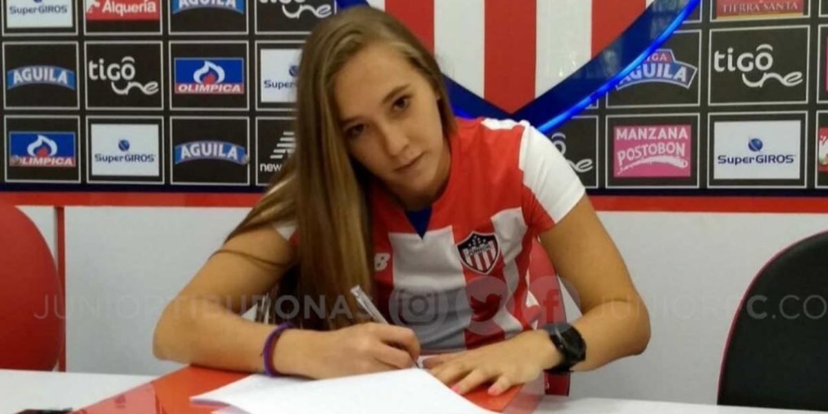 Nicole Regnier, nueva jugadora de Junior.