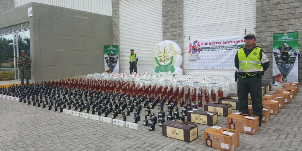 Las autoridades confiscaron toda la mercancía.