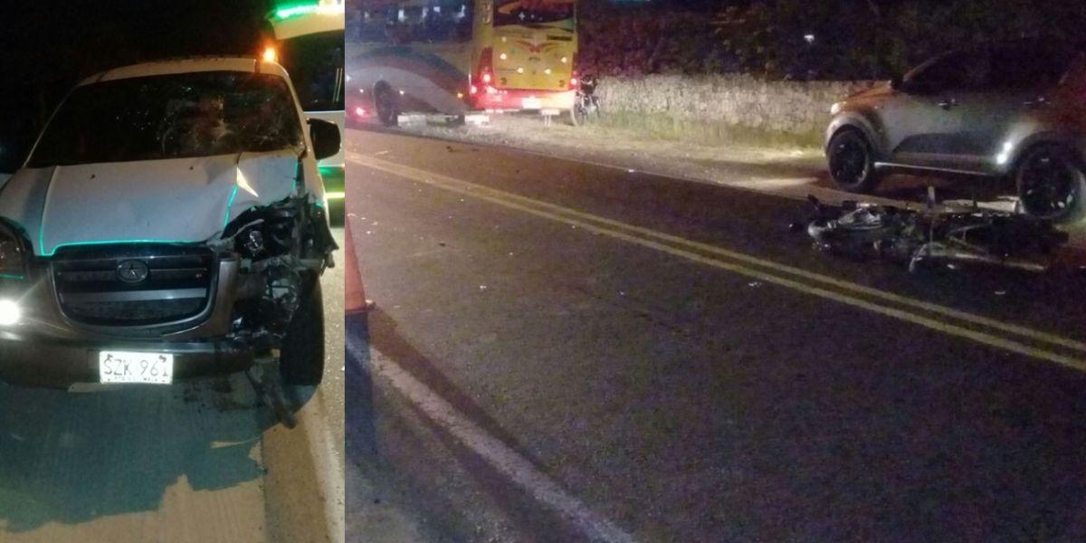 El vehículo y la moto involucrados en el accidente.
