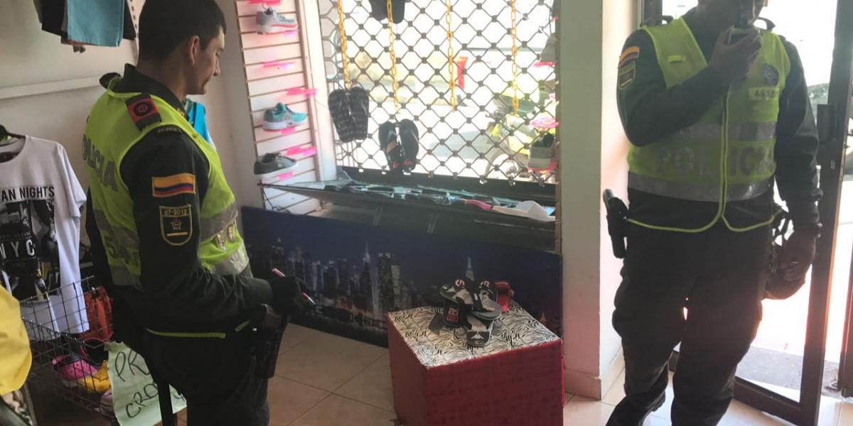 La Policía hizo presencia en el sitio para atender la denuncia de la víctima.