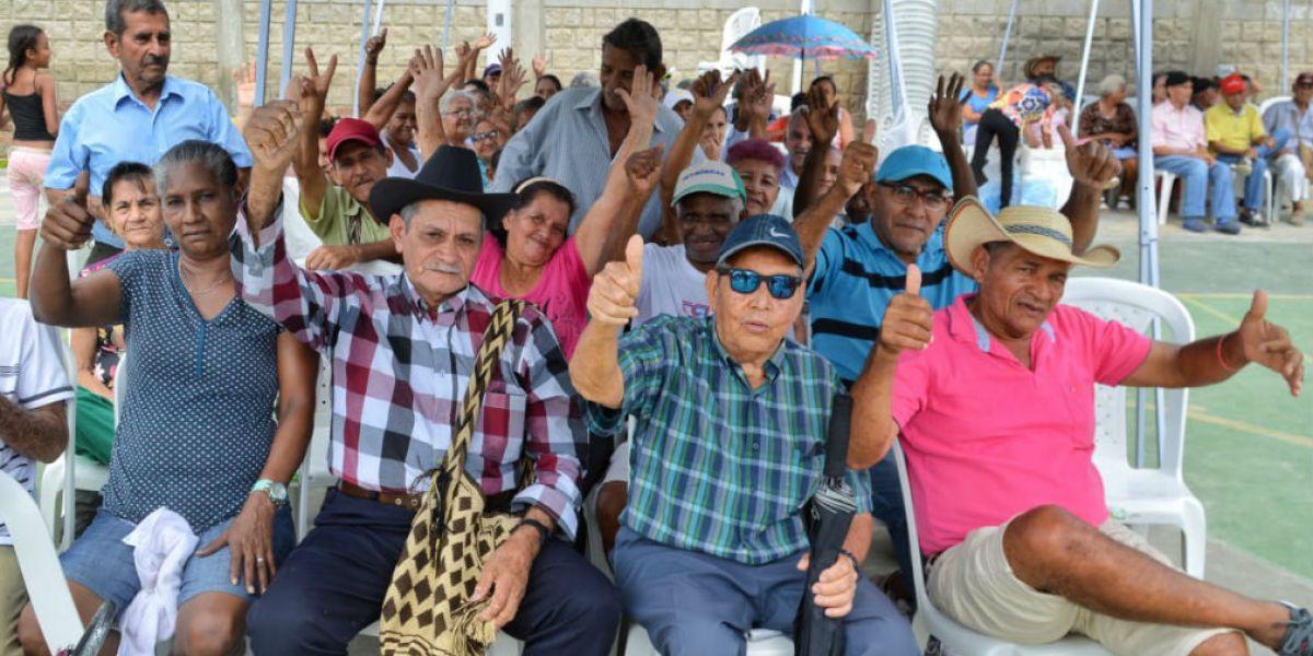 Los ancianos disfrutaron de diferentes actividades.
