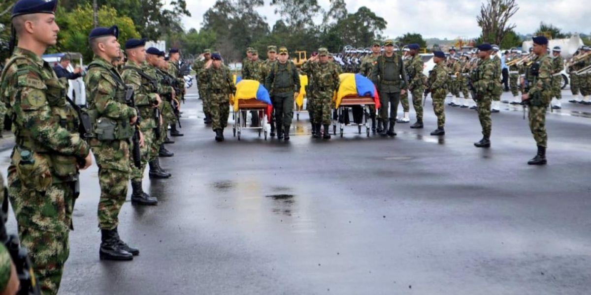Despedidos con calle de honor Héroes del EJC 2166.
