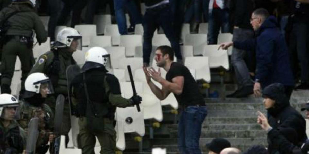 Altercados en Atenas por partido Ajax Vs. AEK