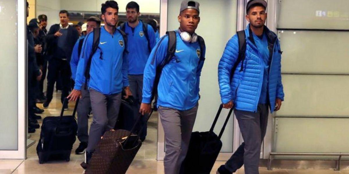 Boca Juniors llegando al aeropuerto de Madrid