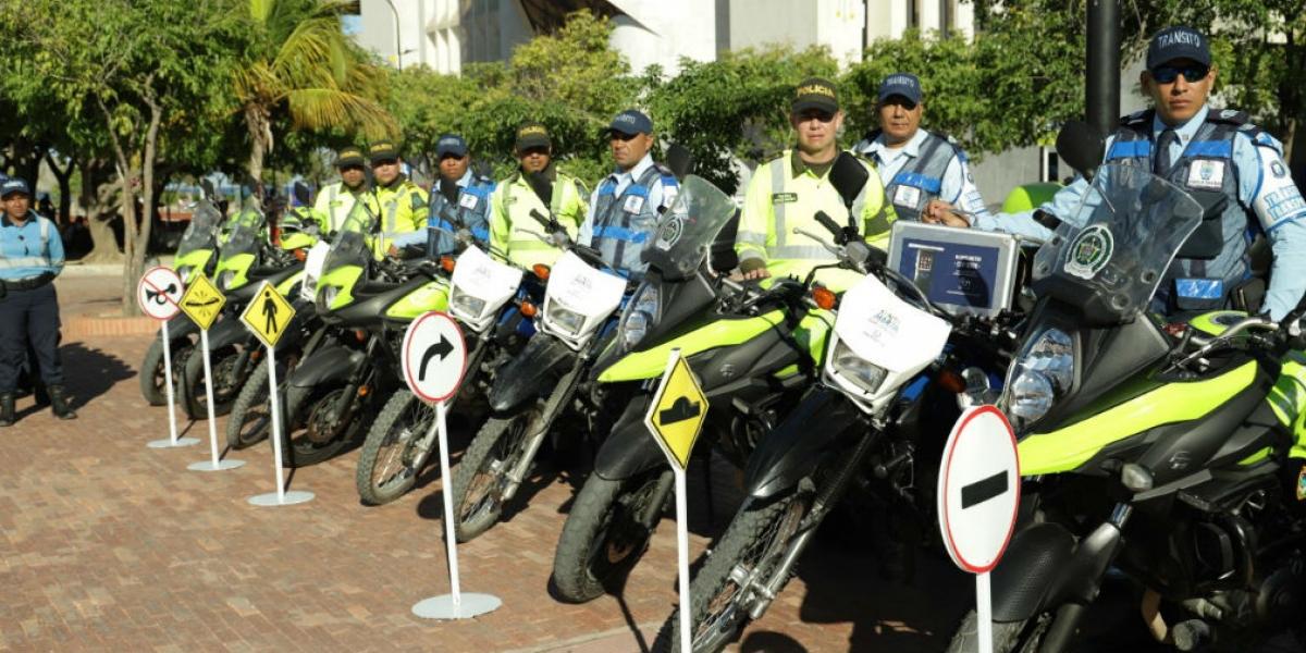 13 agentes viales, 27 reguladores y 18 policías reforzarán operativos.