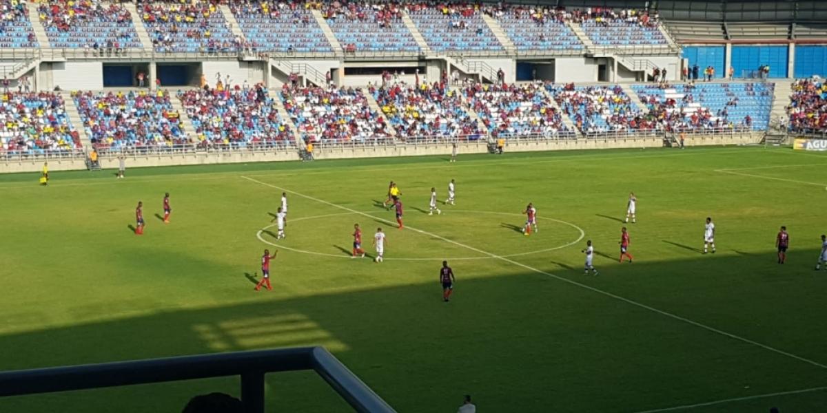 La entrega del estadio ha tenido varios plazos y hasta ahora no se han cumplido.