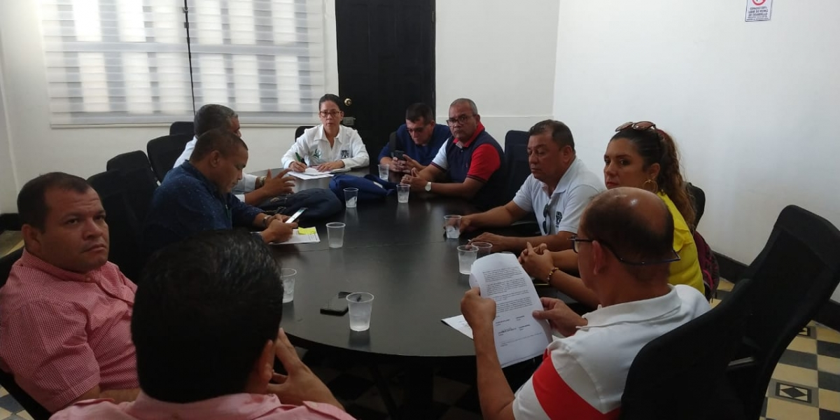Edumag, diputados y Gobernación sostuvieron una reunión en la mañana de este jueves.