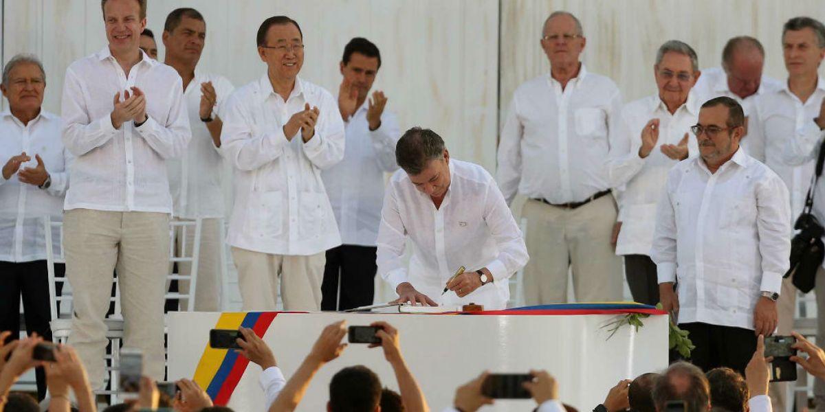 Firma del acuerdo de paz con las Farc.