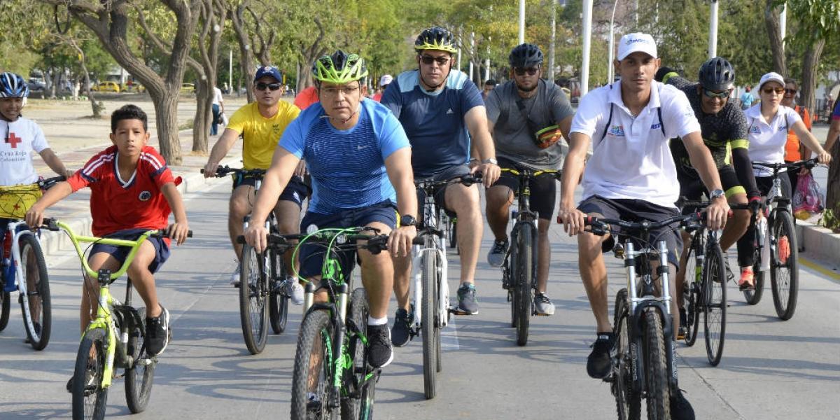 El alcalde Rafael Martínez también participó.