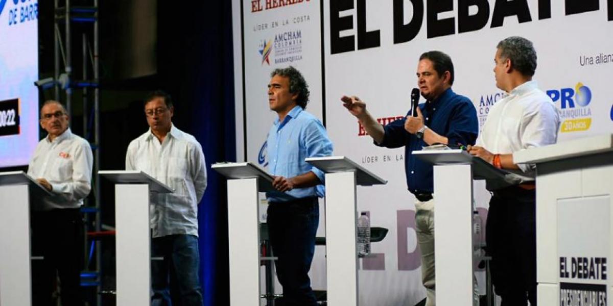 Candidatos presidenciales durante el #DebateCaribe trasmitido por Telecaribe.