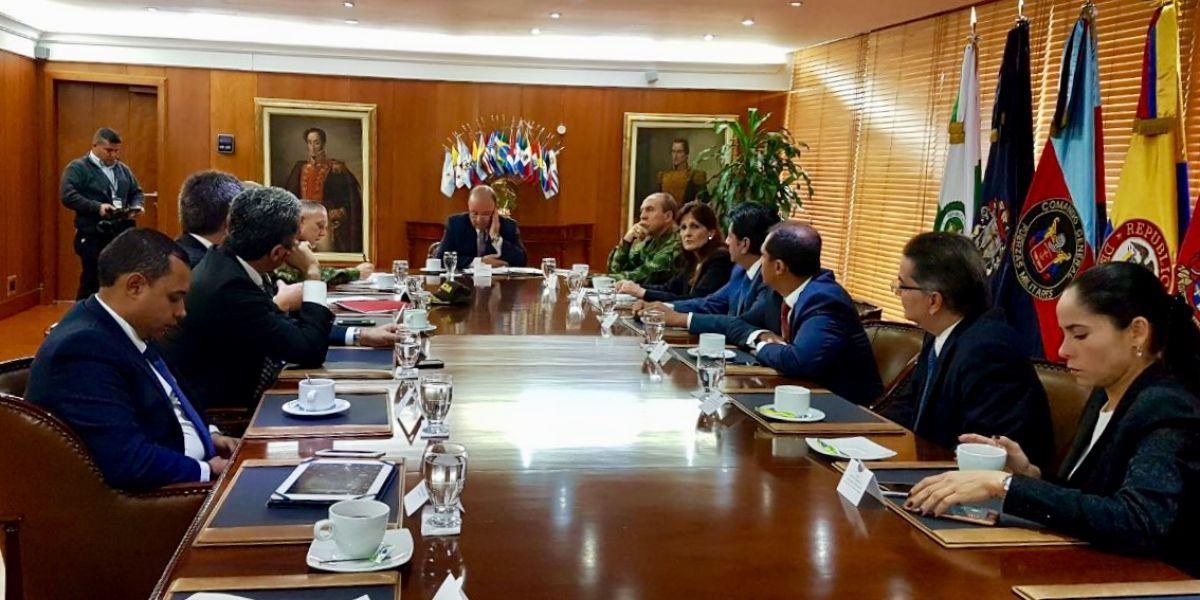 La Gobernadora fue acompañada de los actuales y electos congresistas del departamento.