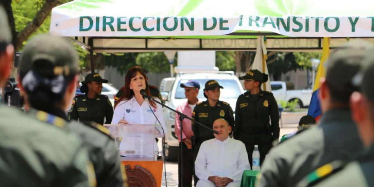 Gobernadora Rosa Cotes durante la socialización.