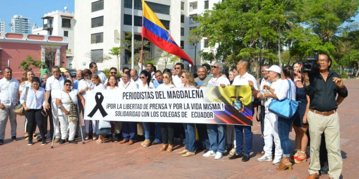 Periodistas del departamento rechazaron el asesinato de los colegas ecuatorianos.