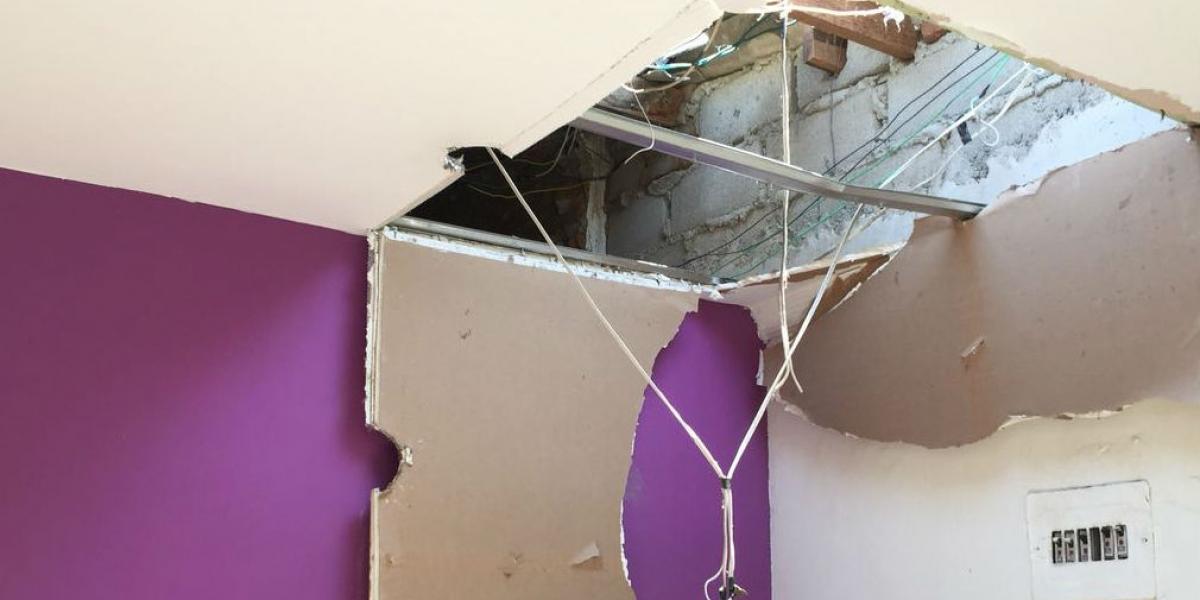 Los ladrones entraron por el techo.