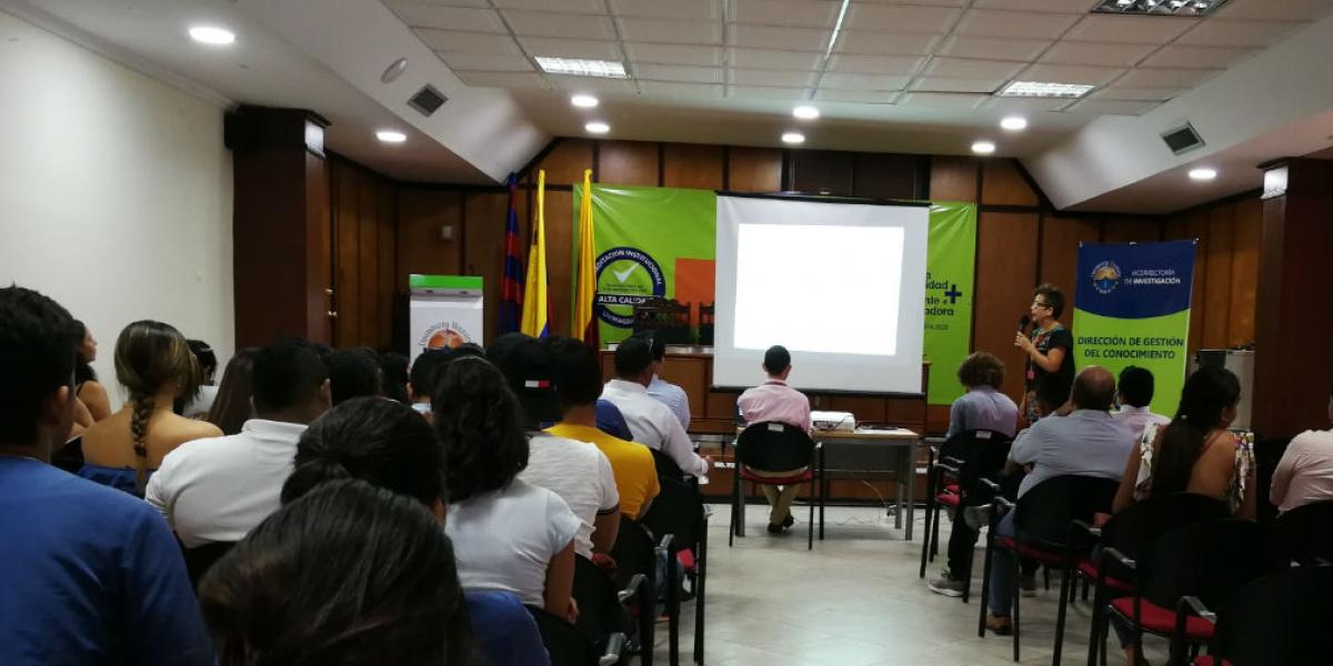 El primer ciclo de esta jornada se realizó en el auditorio Roque Morelli Zárate de la Institución.