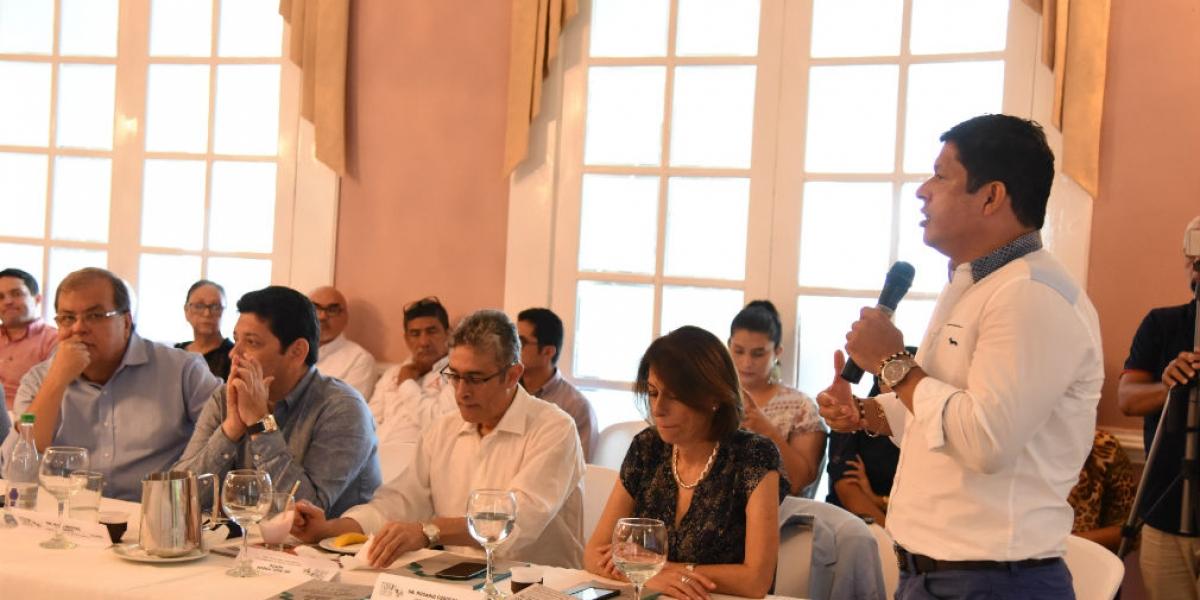 Una respuesta muy positiva por parte del sector empresarial, educativo y de los parlamentarios, fue la generada a partir de la iniciativa socializada por el Doctor Pablo Vera Salazar en favor del desarrollo y competitividad del Magdalena.