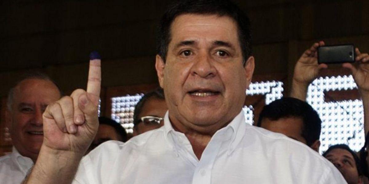 El presidente Cartes, renunció a su mandato.