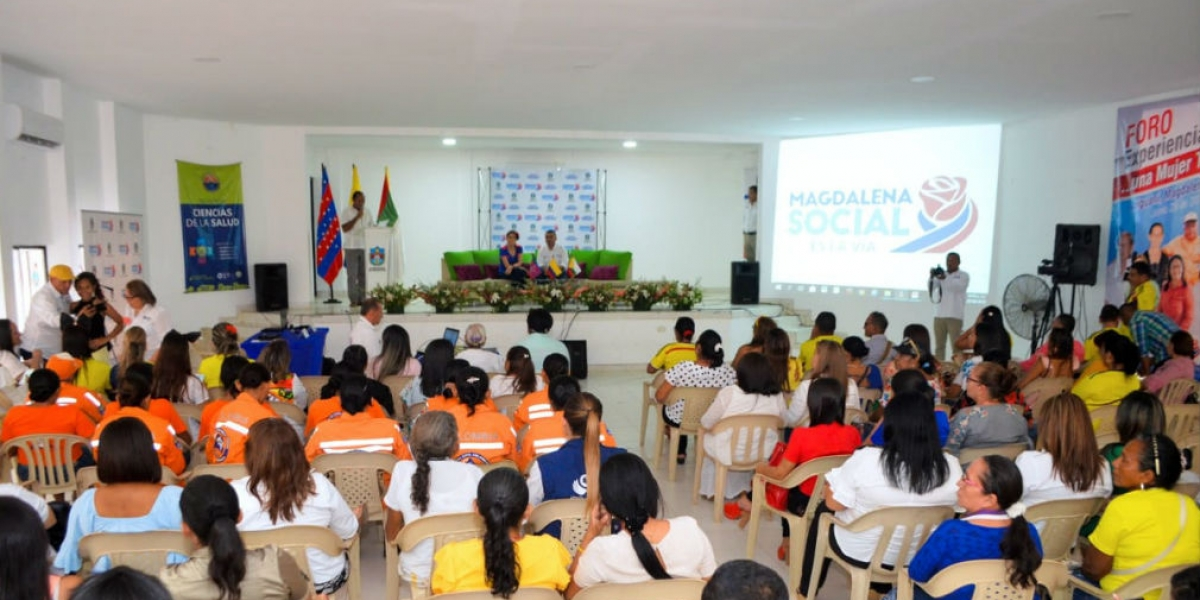 Foro realizado en Ariguaní donde participó la gobernadora.