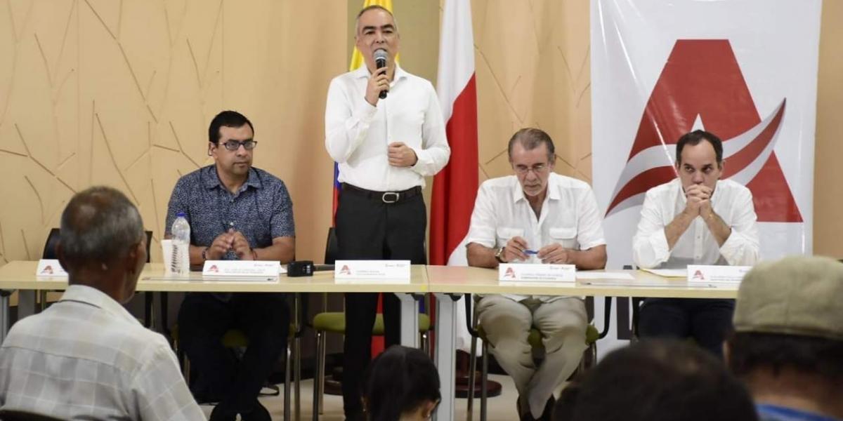 El Alto Comisionado de Paz, Rodrigo Rivera; el Gobernador del Atlántico, Eduardo Verano y Guillermo Polo, secretario del Interior del departamento.