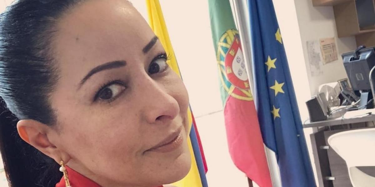 Flavia Dos Santos.