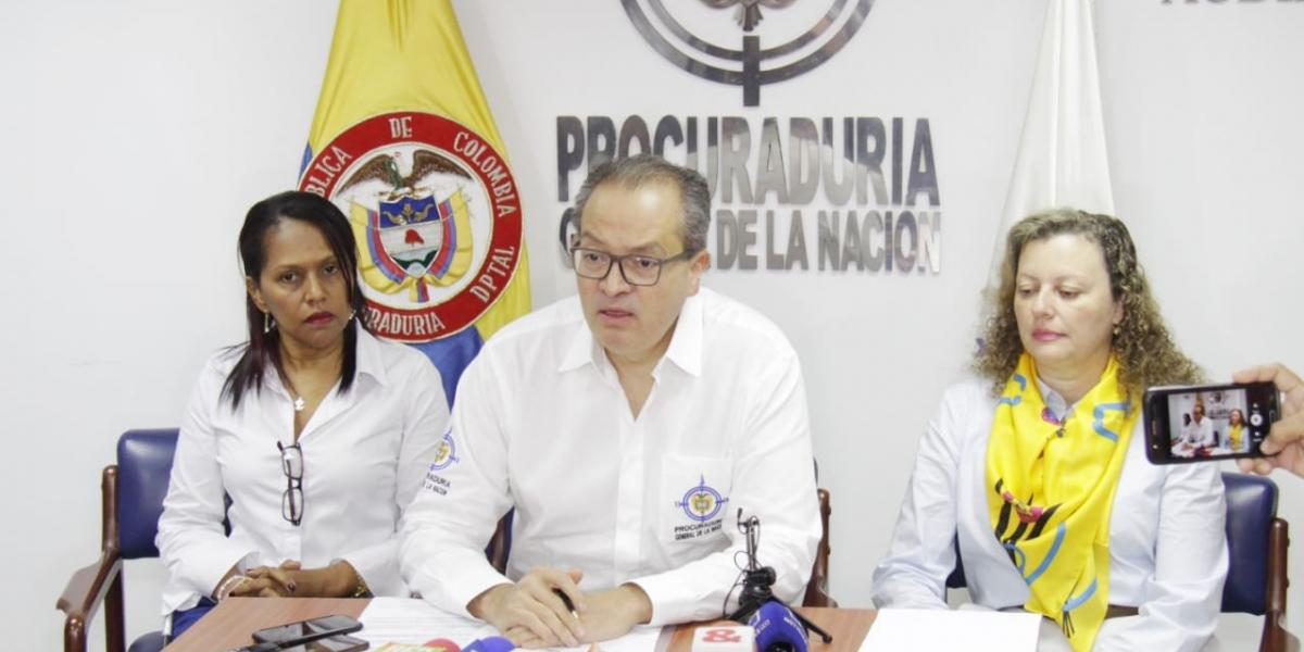 Fernando Carillo Flórez, procurador general, durante su visita a Santa Marta.