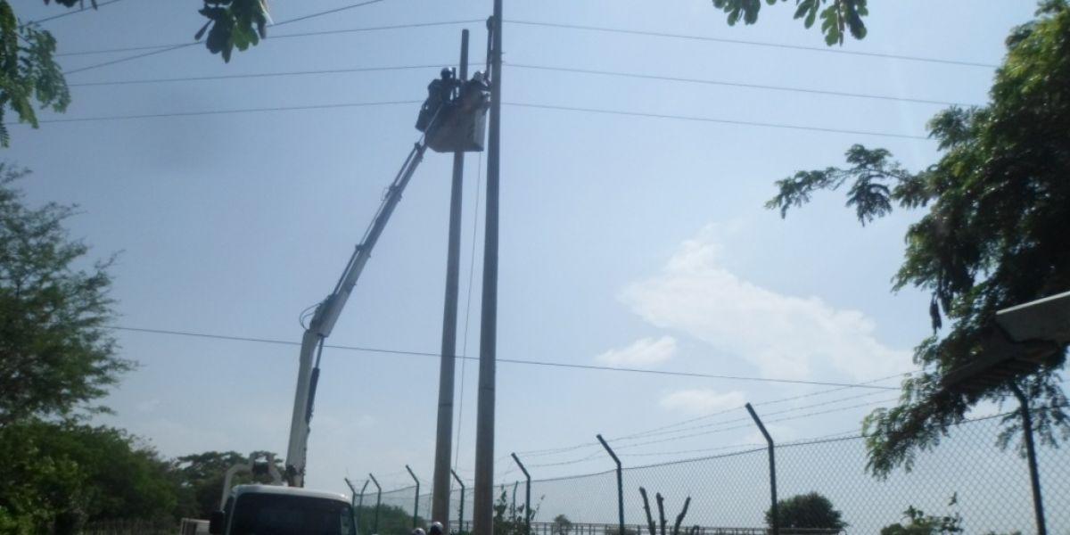La reubicación fue realizada por personal de Electricaribe.