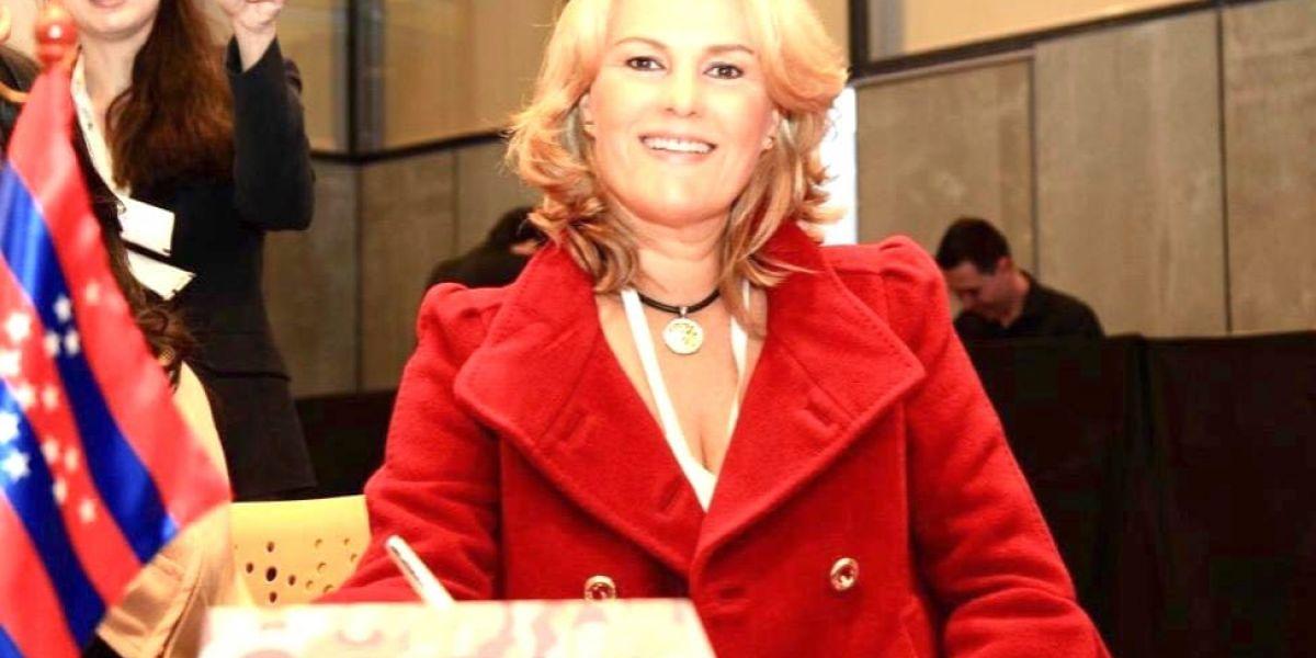La gestora social del Magdalena, Luz María Cotes Vives, fue elegida por la Asociación de Primeras Damas y caballeros de Colombia.