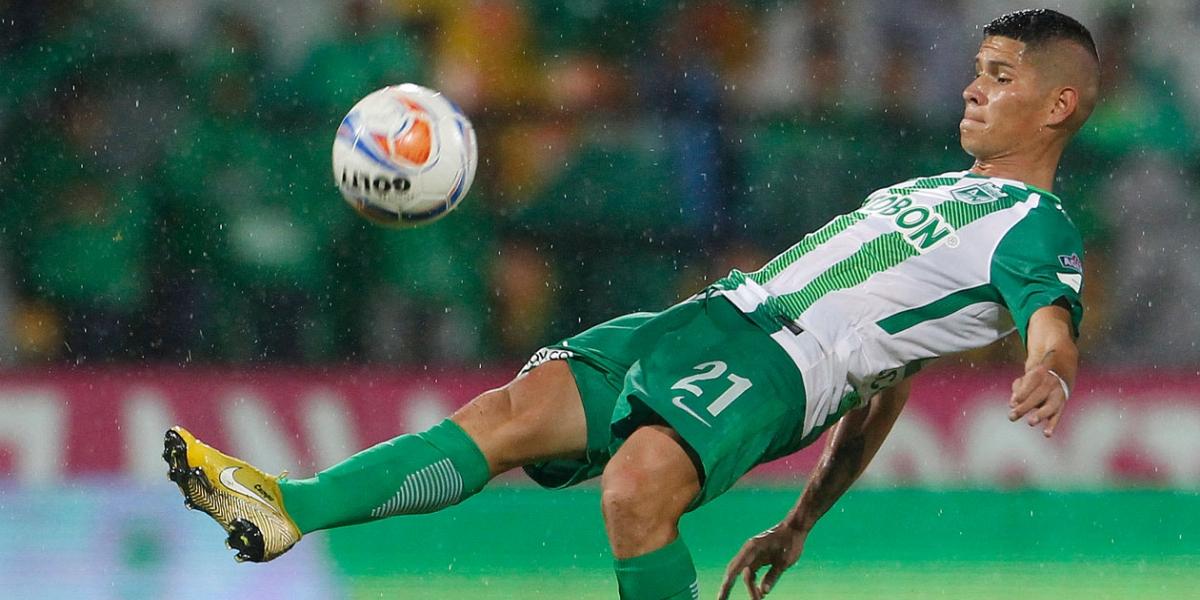 El volante después de un buen año con el Nacional llamó la atención de varios clubes, al final fue Boca el equipo que se lo llevó.