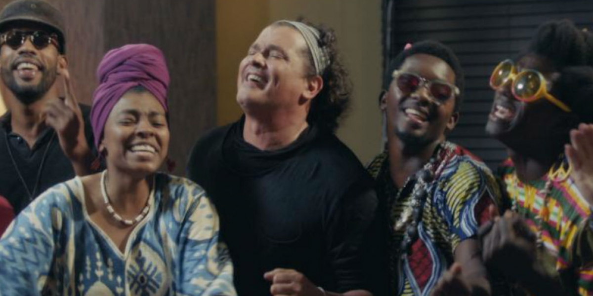 Carlos Vives en su nuevo video musical